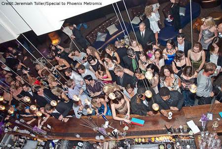 crowded-bar1