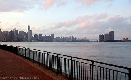 new-york-city-east-river-path